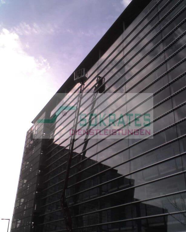 Glasreinigung und Glasfassadenreinigung